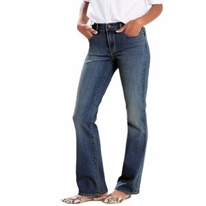NWT LEVI'S Classic Women's Bootcut Jeans